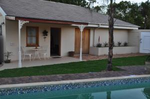 Clan Court Guesthouse, Bed and Breakfasts  Clanwilliam - big - 1