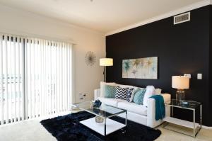 Downtown LA Platinum Resort Style Suite