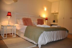 Clan Court Guesthouse, Bed & Breakfasts  Clanwilliam - big - 8