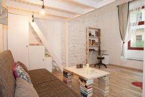 Budapest Central, The Book Room, Apartmány  Budapešť - big - 10