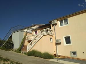 Apartment Maslenica 13405a