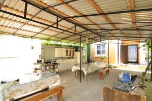 Guest House Mandarin, Affittacamere  Alakhadzi - big - 19