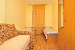 Guest House Mandarin, Affittacamere  Alakhadzi - big - 10