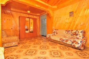 Guest House Mandarin, Affittacamere  Alakhadzi - big - 12