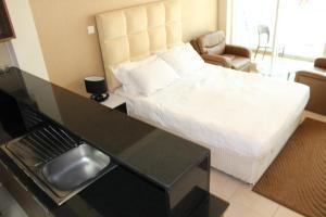 Express Holiday Homes - Burj Nujoom - Dubai