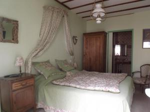 La Chuchotiere, Bed and breakfasts  Sainte-Maure-de-Touraine - big - 10