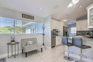 2442 Bimini Lane Home Home