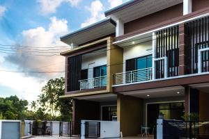 Phi Phi Spirit House