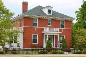 The Collins House Inn