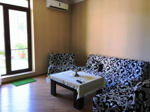 Brand New Apartment with Terrace, Apartments  Tbilisi City - big - 38