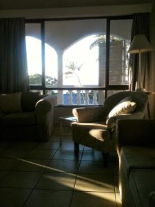 Malibongwe by the Sea, Holiday homes  Margate - big - 2