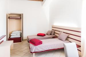 Regia Corte Home, Bed & Breakfasts  Partinico - big - 18
