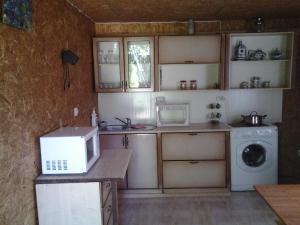 Vacation Home U Morya, Case vacanze  Alakhadzi - big - 4