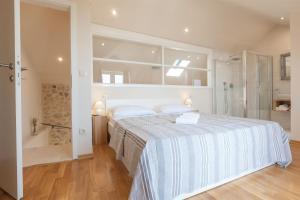Villa Ena, Holiday homes  Podgora - big - 5