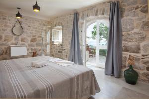 Villa Ena, Holiday homes  Podgora - big - 11