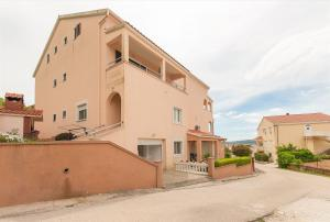 Apartments and Room Danijel, Pensionen  Sveti Filip i Jakov - big - 1
