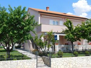 Apartments VESNA KRK