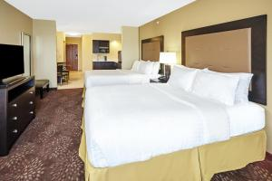 Holiday Inn Express & Suites Sandusky, Hotely  Sandusky - big - 10