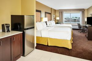 Holiday Inn Express & Suites Sandusky, Hotely  Sandusky - big - 16