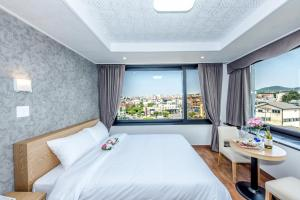 Leslie Hotel, Hotely  Jeju - big - 9