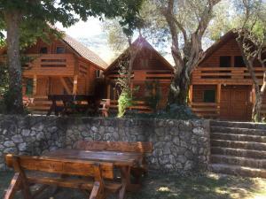 B&B Skadar Lake Murici, Отели типа «постель и завтрак»  Бар - big - 1
