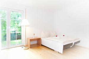 Hotelpension zum Gockl, Penzióny  Allershausen - big - 9