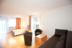 Hotelpension zum Gockl, Penzióny  Allershausen - big - 5