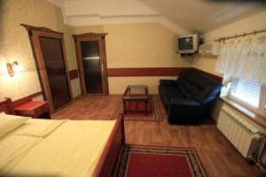 Hotel Dunav, Отели  Сремски-Карловци - big - 3