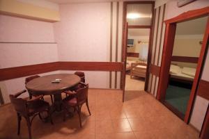 Hotel Dunav, Отели  Сремски-Карловци - big - 32