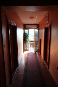 Hotel Dunav, Отели  Сремски-Карловци - big - 47