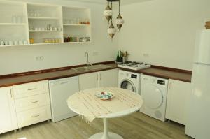 Quarante Teras - Adult Only, Homestays  Bozcaada - big - 18