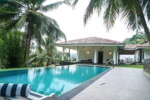 Thompson Manor (A Luxury Villa in Galle), Villas  Galle - big - 1