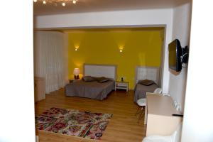 Grand White City Hotel, Hotels  Berat - big - 30