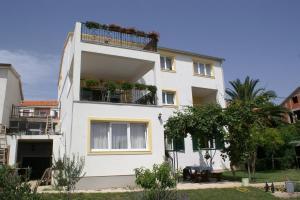 Apartment Tribunj 4201a, Apartments  Tribunj - big - 20