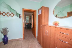 Apartment Teresa, Апартаменты  Пореч - big - 9