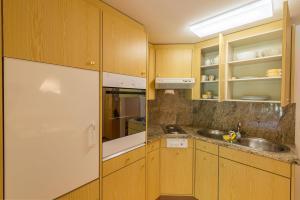 Chesa La Furia, Apartmanok  Pontresina - big - 36