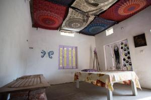 Ganges Nirvana Community & Home Stay, Hostely  Varanasi - big - 13