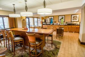 Hampton Inn Caryville-I-75/Cove Lake-State Park, Hotel  Caryville - big - 23