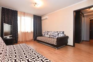 Академика Бардина, 38, Apartmanok  Jekatyerinburg - big - 9