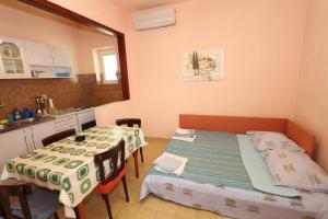 Apartments Antoneta, Apartments  Makarska - big - 71
