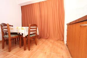 Apartments Antoneta, Apartments  Makarska - big - 20
