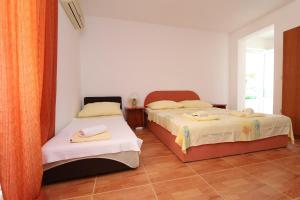 Apartments Antoneta, Apartments  Makarska - big - 50