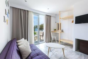Memories Beach Hotel(Monólithos)