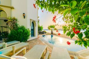 Signature Luxury Holidays - Five Bedroom Villa - Sea Breezer - Dubai