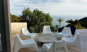 Villa Roquebrune Cap Martin, Виллы  Рокебрюн — Кап-Мартен - big - 17