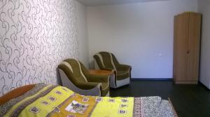 Apartment on Komsomolskaya ulitsa,185