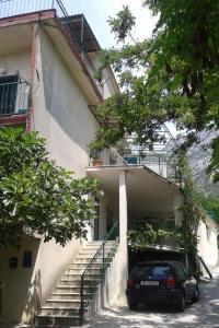 Apartment Gradac 13196a
