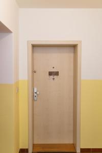 Modern Apartment with 2 bedrooms, Апартаменты  Карловы Вары - big - 7