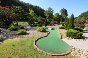 Echoes of Eden - Four Bedroom, Holiday homes  Sevierville - big - 33