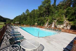 Moose-Behaving - Two Bedroom, Case vacanze  Sevierville - big - 28